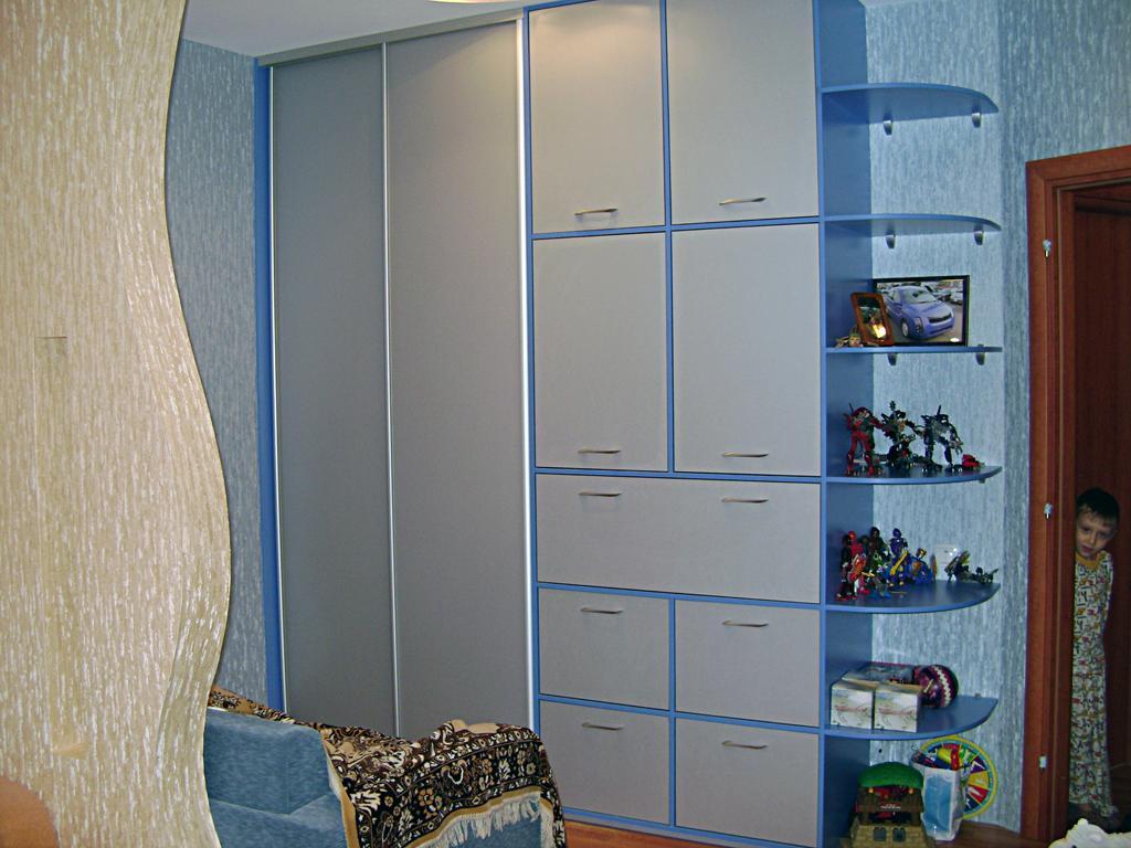 Авангард мебель - фотографии шкафов купе.
